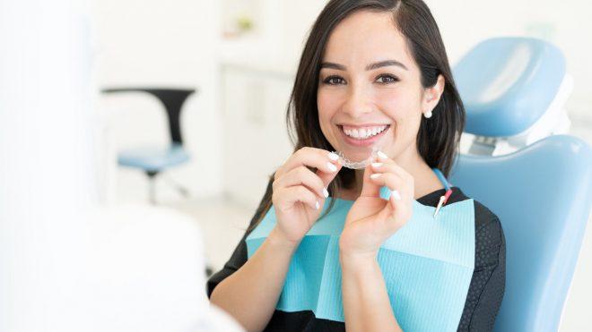Ortodontija S PROZORNIMI OPORNICAMI – Prednosti zdravljenja Invisalign
